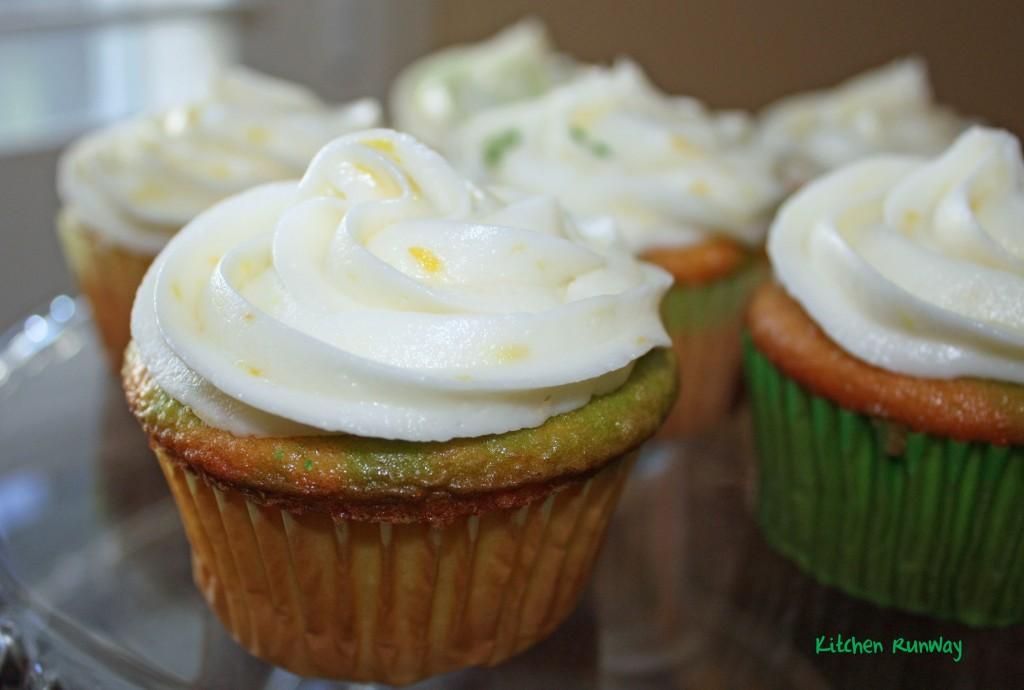 easy lemon cupcakes lemon frosting