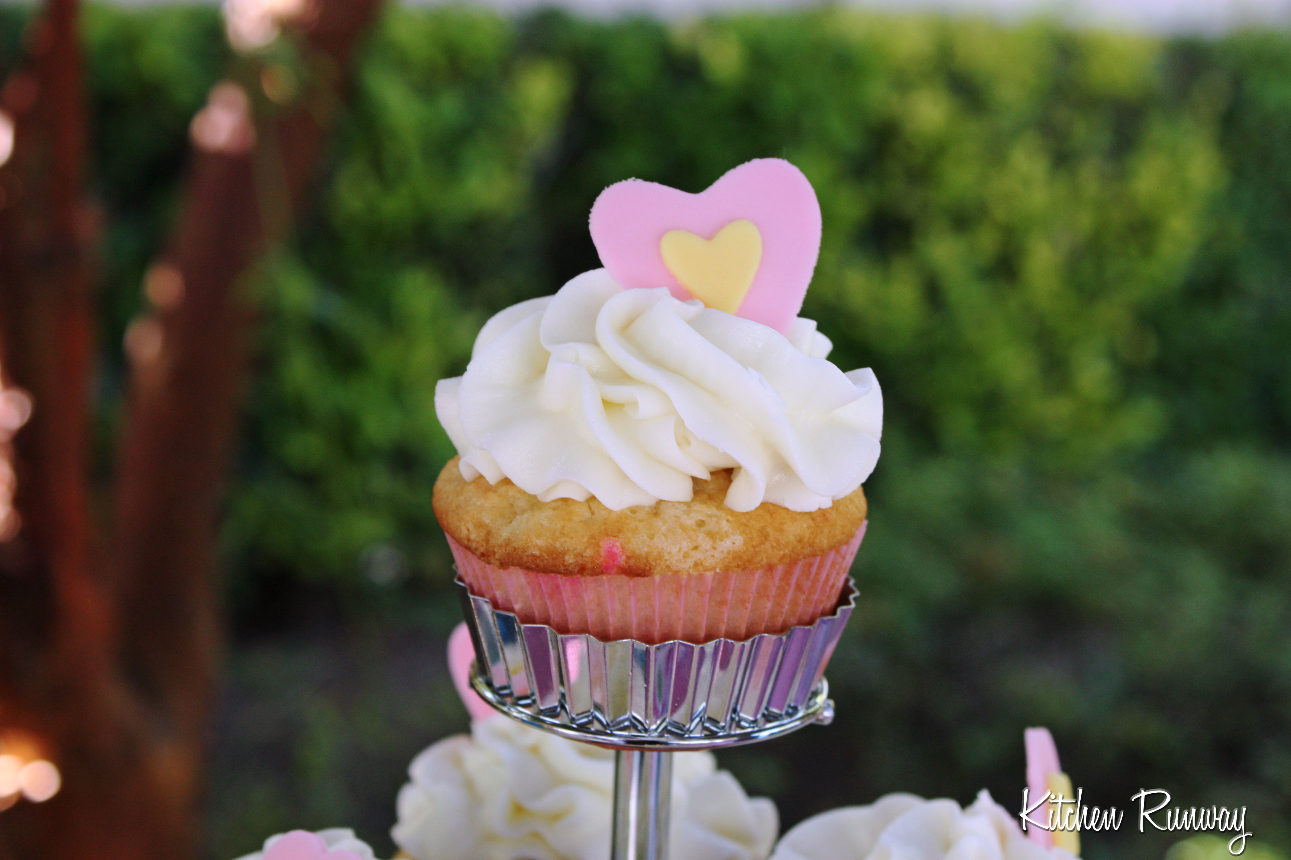 vanilla funfetti birthday cupcake