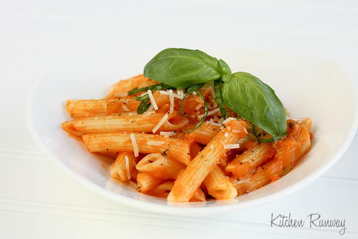 pasta with fresh roma tomato sauce